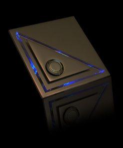 Designer Klingel Messing mit versetztem LED bel Glas Aufsatz als Dreieck